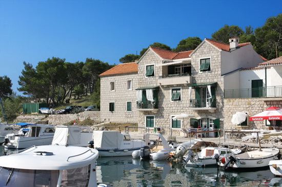 Luxury apartments near the sea in Makarska